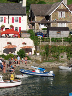 53 Noss Mayo and Swan Inn in the sunshine